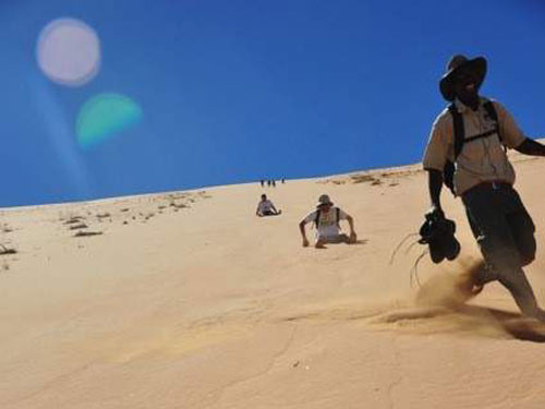 6 Days of Dunes and Safaris