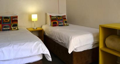 Twin room at Ashanti Backpackers in Cape Town