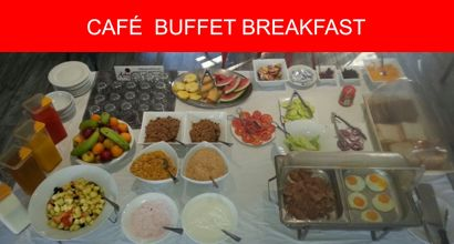Cooked buffet breakfast at Ashanti Gardens Backpackers in Cape Town