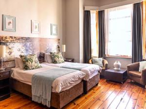 Ashanti Guesthouse room 6